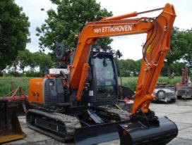 Van Ettikhoven neemt Hitachi ZX 70 LC-3 in gebruik