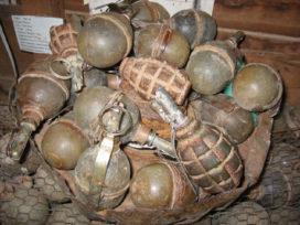 KWS Bijzondere Opdrachten zoekt handgranaten in Boterdiep