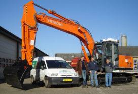 Aflevering Hitachi ZX 210 LC-3 bij Loonbedrijf Martens