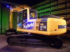Primeur: Komatsu levert eerste hybrides af