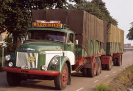 Oldtimer vrachtwagenshow in Ewijk