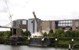 Laatste schoorsteen Maascentrale opgeblazen