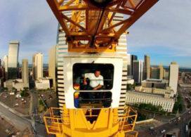Opbouw 70 meter hoge torenkraan Rotterdam CS