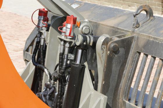 Matt Nielen Constructies is verantwoordelijk voor de opbouw van de kantelbare snelwissel. Leidingen zijn zorgvuldig weggewerkt om schade en storingen te voorkomen.