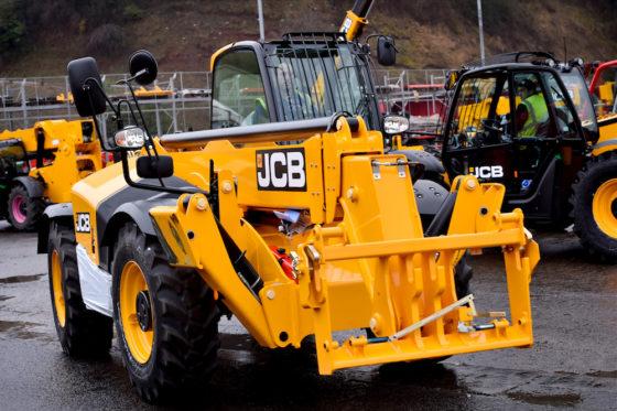 Voordat JCB deverreikersop transport zet naar dealers en klanten, worden de machines uitvoerig getest.