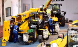 JCB verwerkt elk jaar 35.000 ton staal tot verreikers