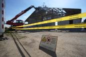 Inspectie legt sloopbedrijf stil na 18 boetes voor 'onveilig en ongezond' werken met asbest