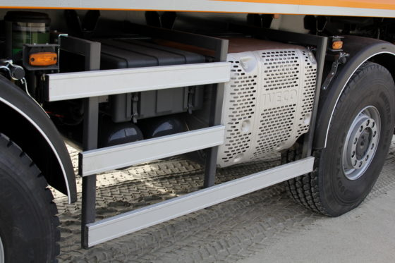 DeTrakkerEuro-6 heeft een mooie compacte uitlaatdemper-roetfilter-unit.