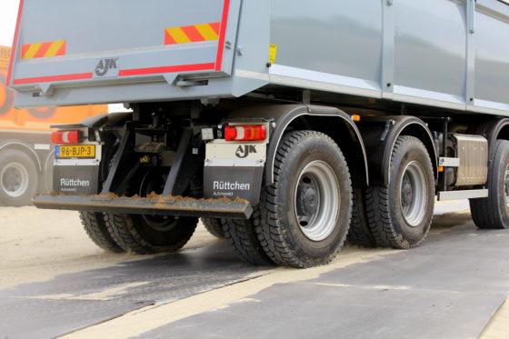 Met 46 ton GVW behoort dezeArocstot de zwaargewichten in deze klasse.