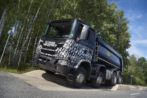 Scania ging niet over één nacht ijs bij het testen van de nieuwe bouwvoertuigen.