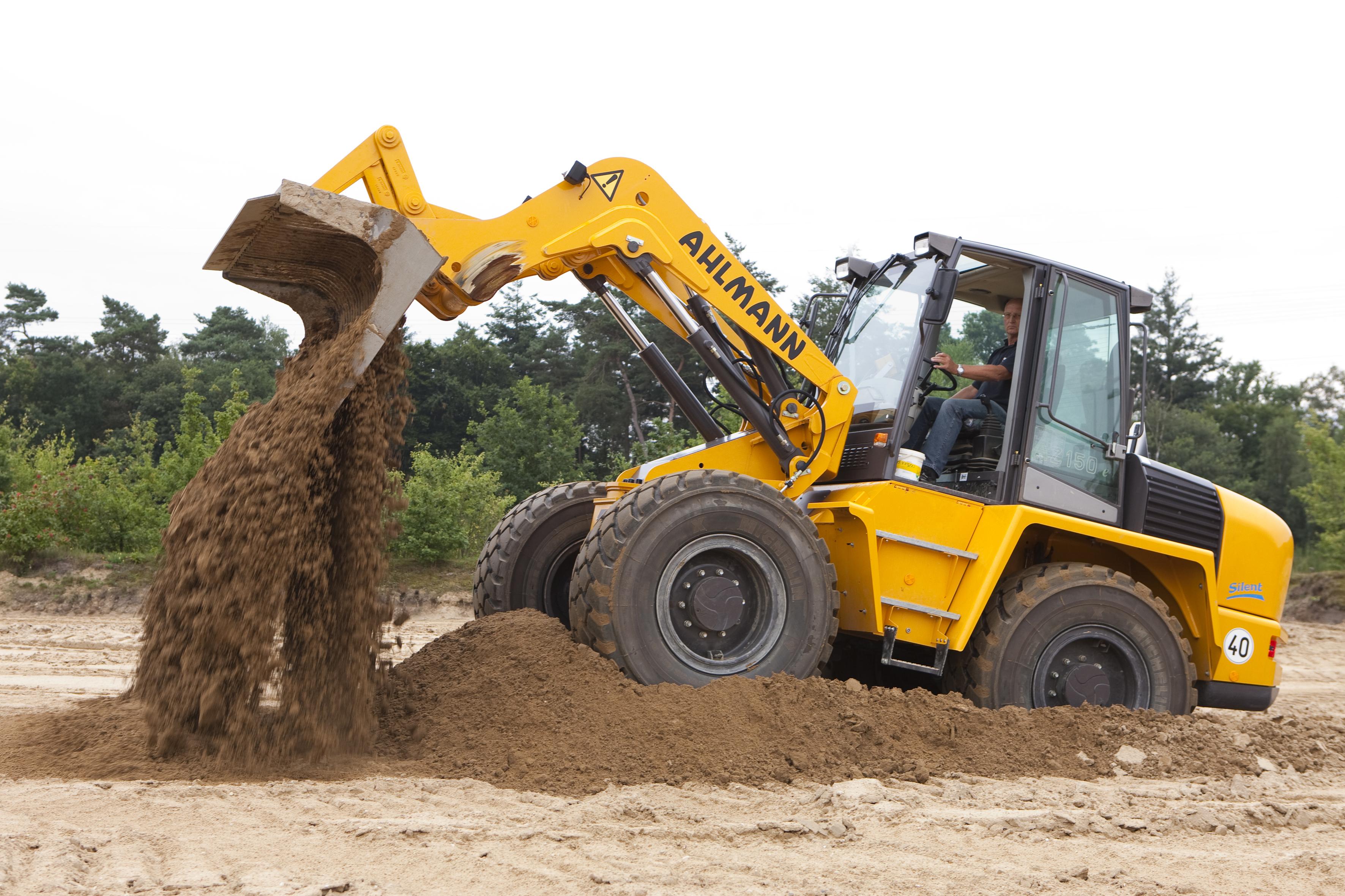 <p>Terwijl de opleidingen in het grondverzet goed boeren, leidt de opleiding tot machinist indewegenbouweenkwijnend bestaan. Voor het eerst in twee jaar gaat deze maand eenklasjevan start. Het aantal deelnemers: vijf.</p>