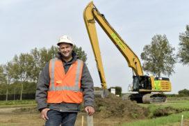 Machinist van de Maand OKTOBER: Pieter de Jong en zijnCat 352F LRE