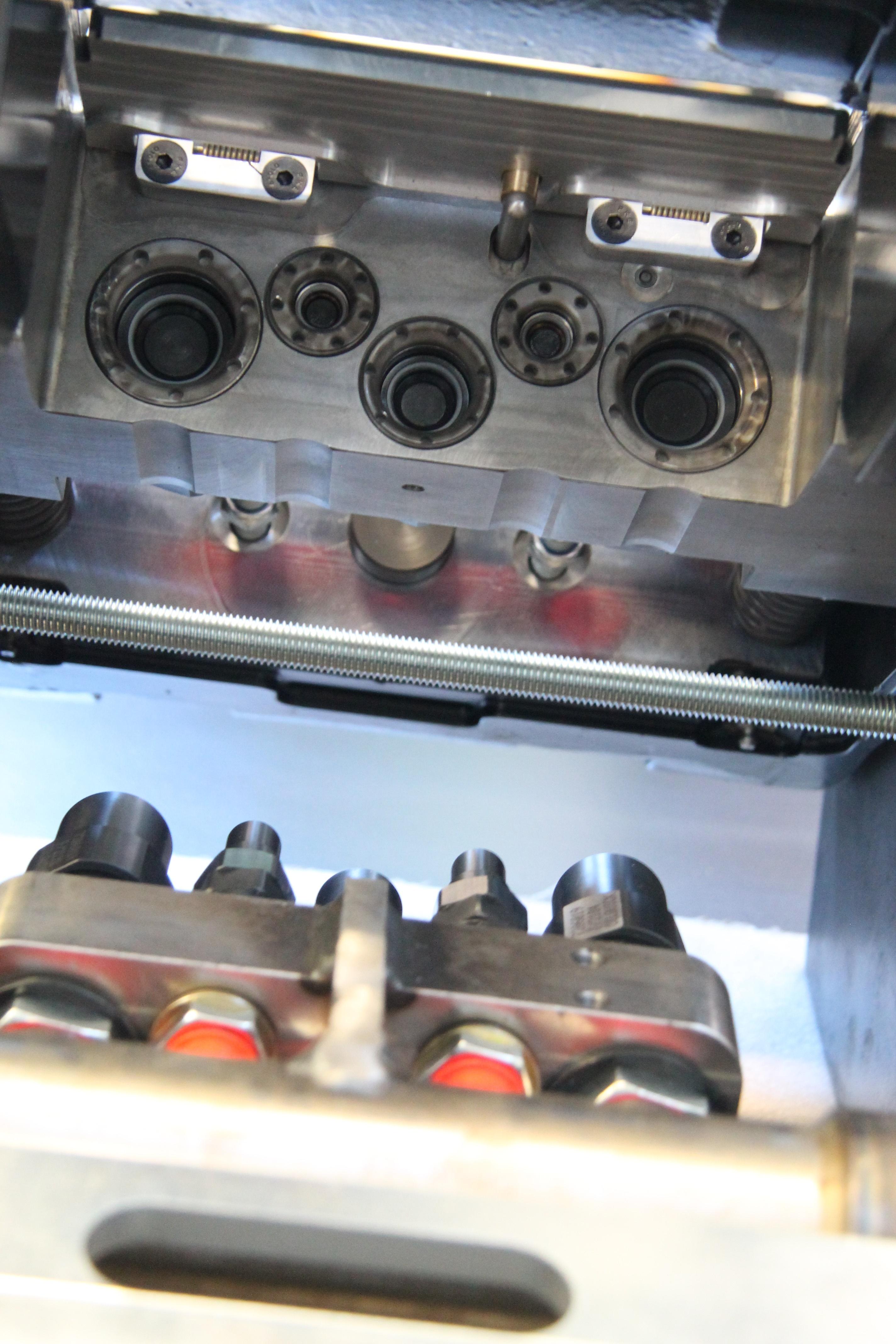 <p>Het SQ-systeem van Steelwrist is volledig uitwisselbaar met OilQuick. De Zweden zien dat systeem van de marktleider de standaard wordt.</p>