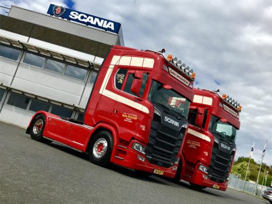 Voor Sjeng Swinkels van het gelijknamige metaalrecyclingbedrijf is er geen betere truck dan een Scania V8. Onlangs kocht hij 2 Scania S520 4x2 trekkers.