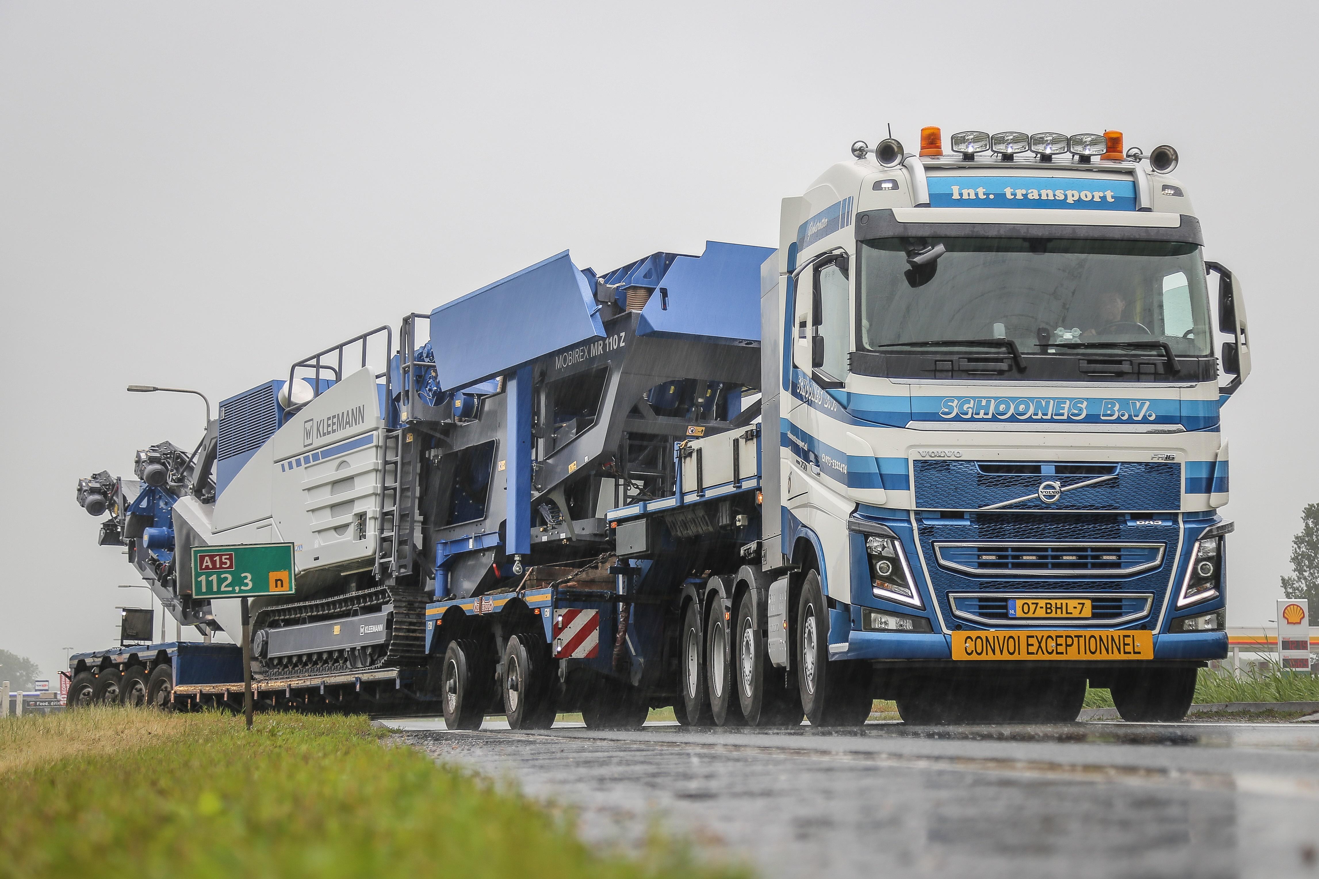 <p>Volvo Crawler Gear</p>