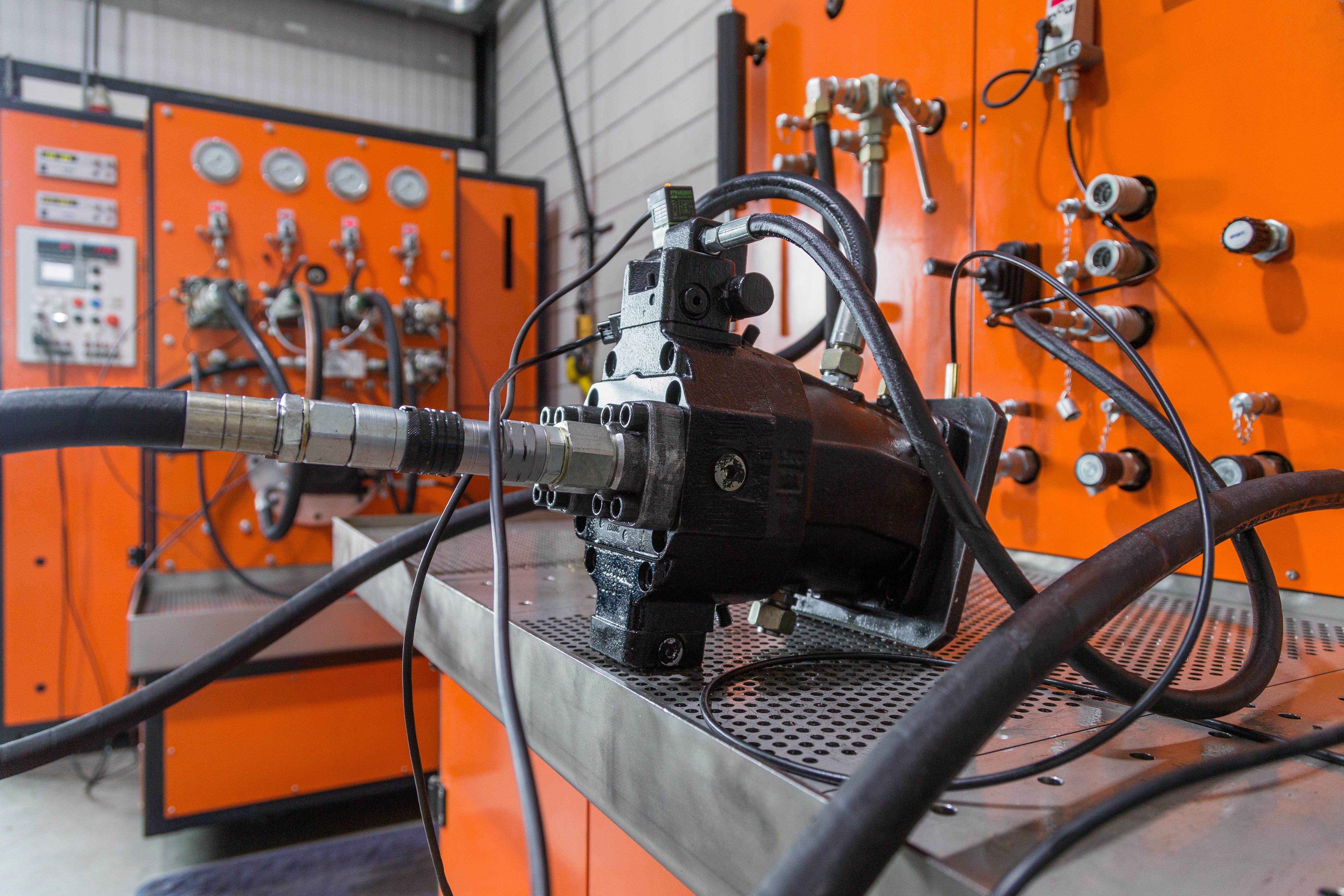 <p>Ook bij Overbeek verlaat geen hydromotor of hydropomp de werkplaats zonder een goedkeuring. </p>