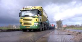 VIDEO | Verzakte weg ophogen
