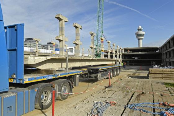 Sloop van de parkeergarage P2 op Schiphol Centrum