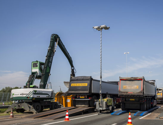 De weegbrug van Mobielwegen.com ligt met een half uur op de plek en heeft een capaciteit van 60 ton.