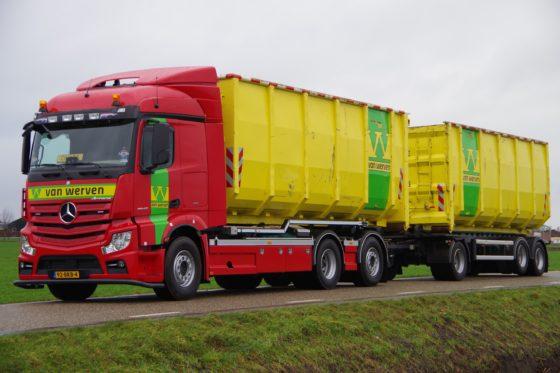 De nieuwe 31,5 tons 6x2 met sturende en liftbare sleepas op 180 centimeter afstand.