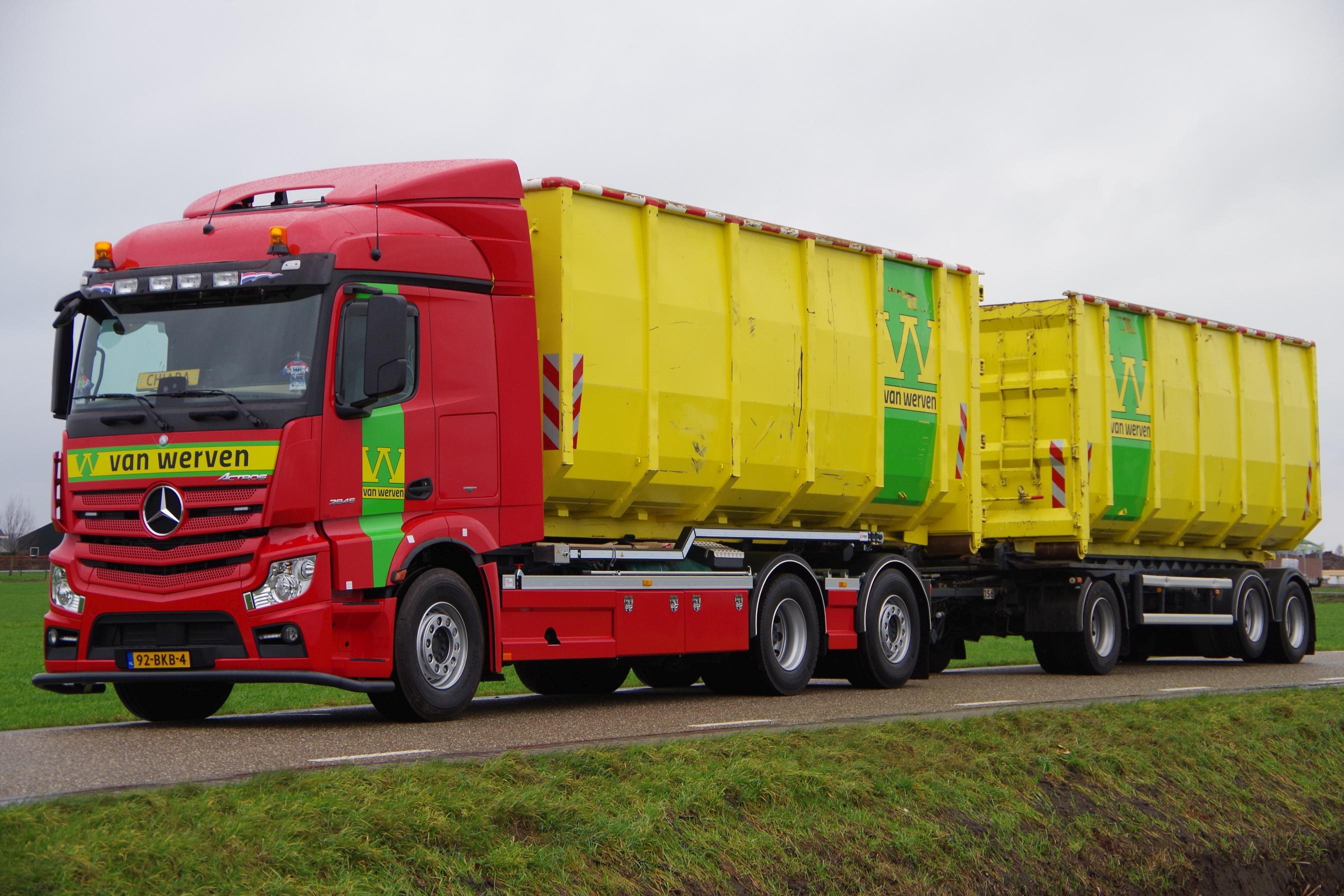 <p>De nieuwe 31,5 tons 6&#215;2 met sturende en liftbare sleepas op 180 centimeter afstand.</p>