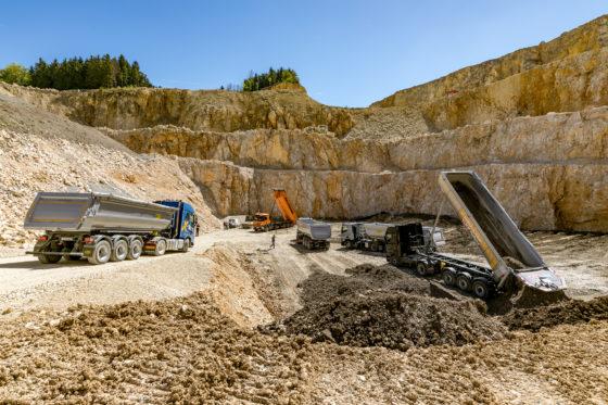 Trucks met hydraulische aandrijving in BouwMachines multitest