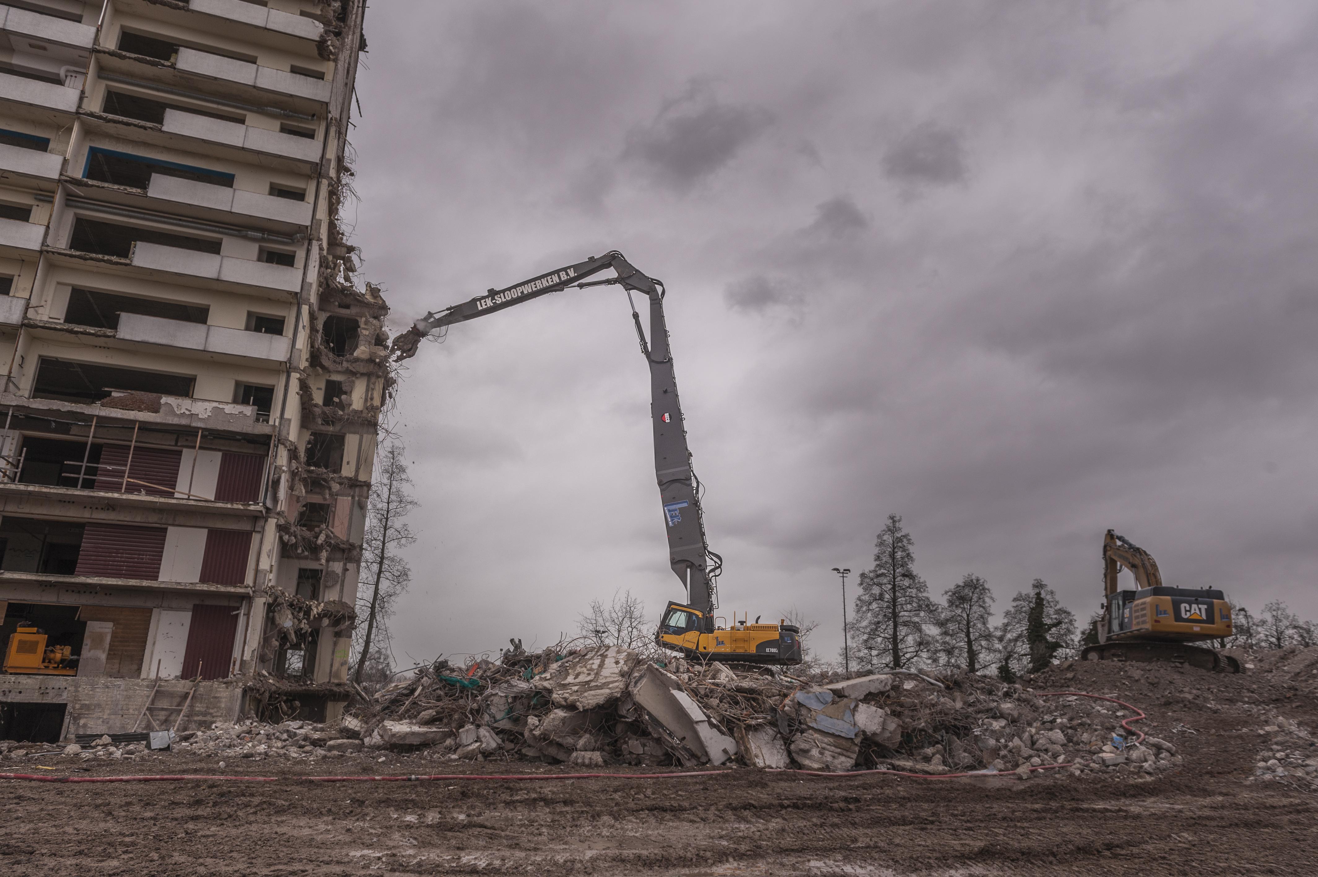 <p>In Rotterdam wordt meest gebouwd. Dan is een sloopklus als die van het Clara best opvallend.</p>