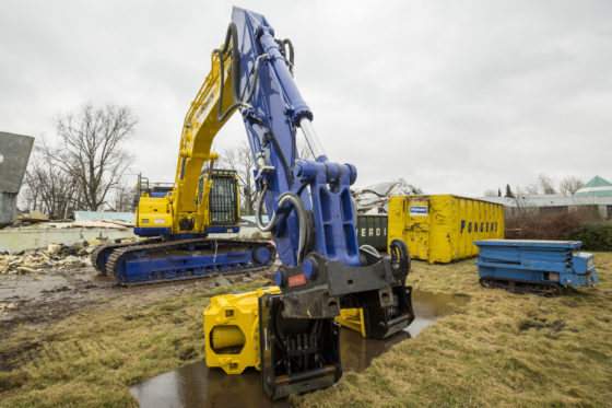 OilQuick moet de efficiency verbeteren, doordat in no-time het juiste uitrustingsstuk aan de machine hangt zonder dat de machinist de cabine moet verlaten.