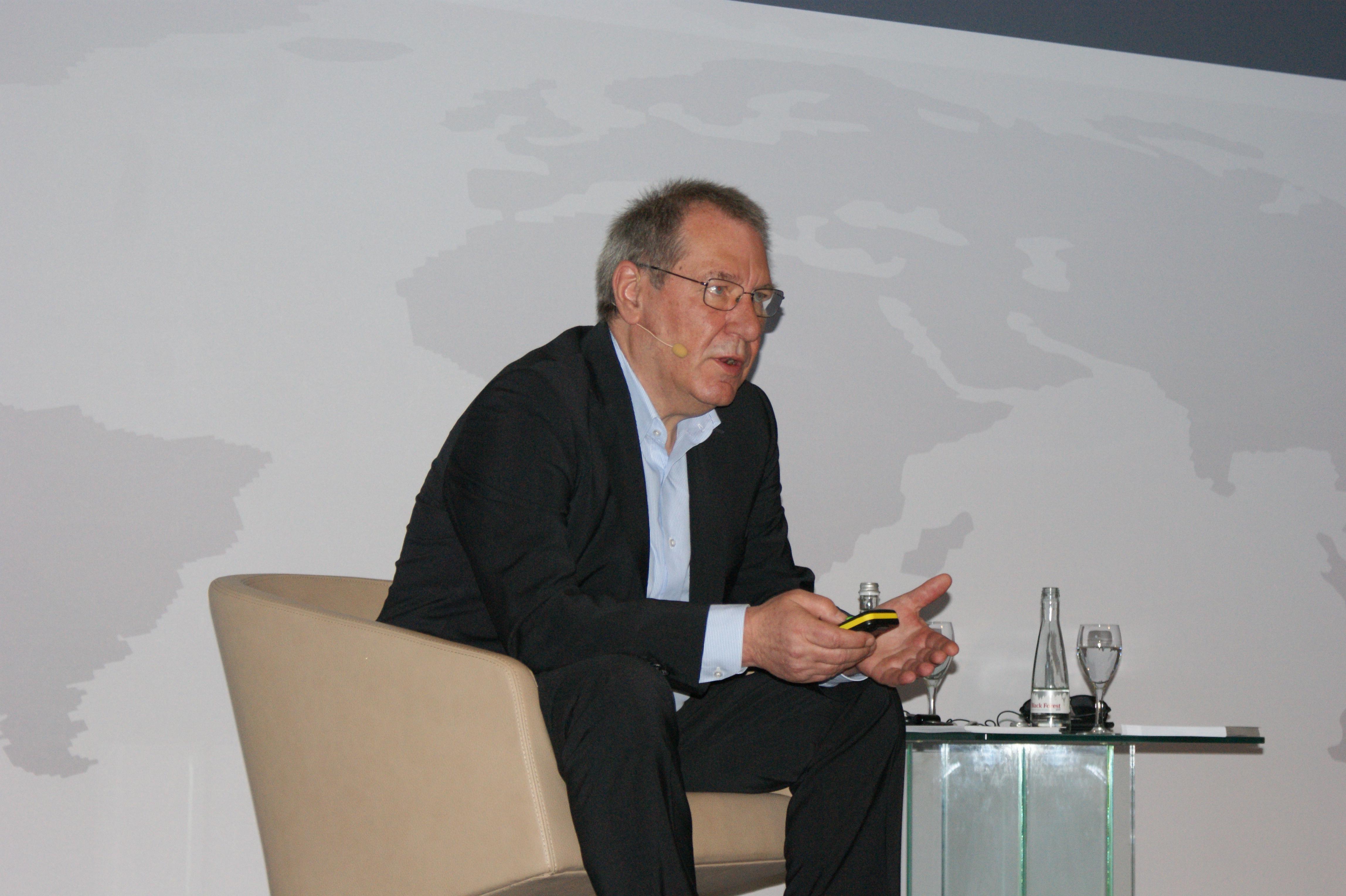 <p>Vögele-bestuurder Bernhard Düser ziet het als de toekomst om medewerkers van klanten van Vögele op te leiden tot vakmensen. Daarvoor zette Vögele het CTT op.</p>