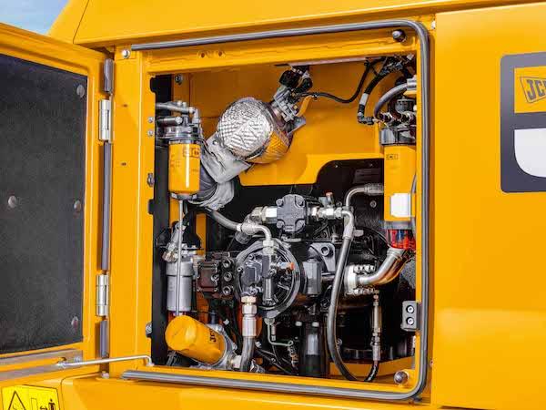 <p>De 220X zorgt voor lagere onderhoudskosten en een lager brandstofverbruik dan voorgaande machines, belooft JCB.</p>