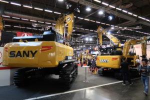 Net als Shantui, kijkt ook de Chinese fabrikant Sany met een begerig oog naar Europa. In Nederland is Collé Rental & Sales sinds kort importeur. Sany is bezig met de verdere opbouw van een verkoop- en servicenetwerk in omliggende landen. Op Intermat toonde de fabrikant onder meer drie voor de Europese markt nieuwe rupsgraafmachines: de 2,6-tons SY26, de 5-tons SY50 en de 50-tonner SY500. Sany belooft dit najaar een nieuwe 15-tons mobiele graafmachine te presenteren.