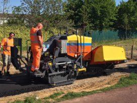 Dynapac F1200CS verwerkt asfalt in Limburg