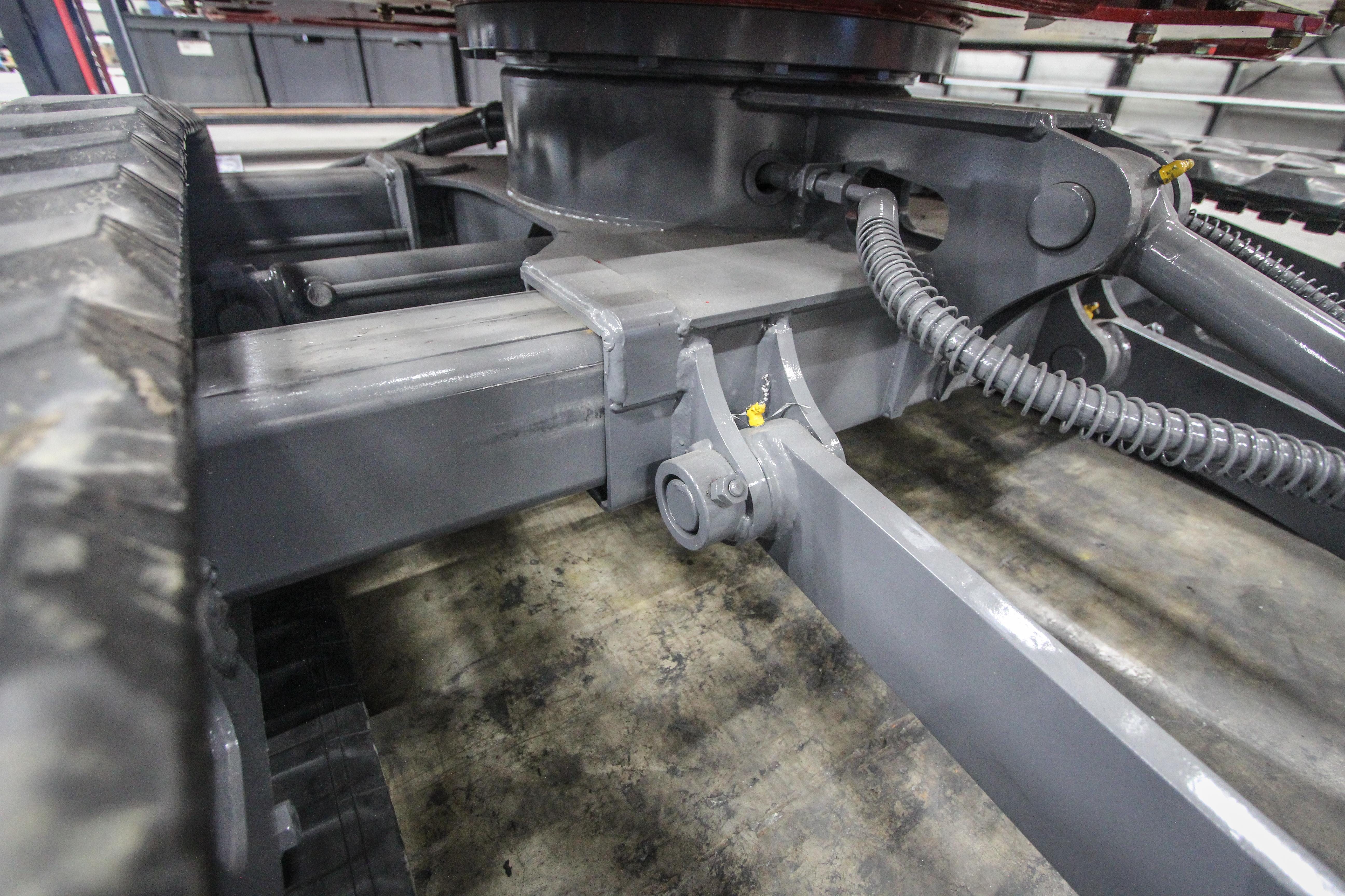<p>Uitschuifbare onderwagens zijn geen unicum, maar een slag van 40 centimeter is dat wél. De breedte van 1,50 meter geeft extra stabiliteit. Zeker in combinatie met de conventionele bouw.  </p>