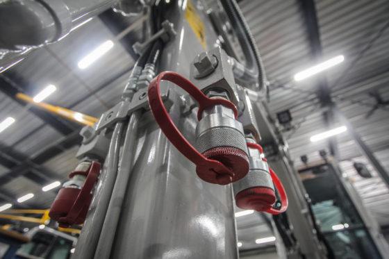 Maximaal vier extra functies zijn af-fabriek te krijgen, die proportioneel te bedienen zijn.