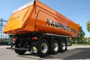 Transportoplossingen.com B.V. leverde een nieuwe Meiller asfaltkipper aan T. Kamphuis B.V. in Epse. De asfaltkipper meet voortdurend de temperatuur van het asfalt.