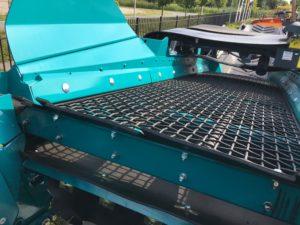 A. Tuytel Loon- en Verhuurbedrijf B.V. heeft de materieelvloot uitgebreid met een nieuwe Powerscreen Warrior 1200.