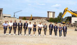 Liebherr is gestart met de bouw van een nieuw logistiek centrum in thuisbasis Kirchdorf, Duitsland. Liebherr investeert 35 miljoen euro in het project, dat eind 2020 klaar moet zijn.