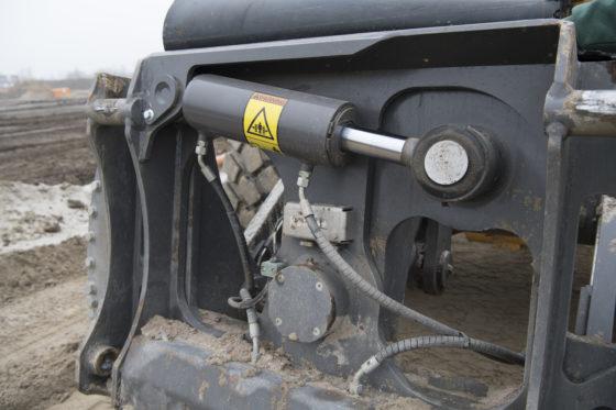 De zware cilinder maakt een kanteling van 20 graden mogelijk.