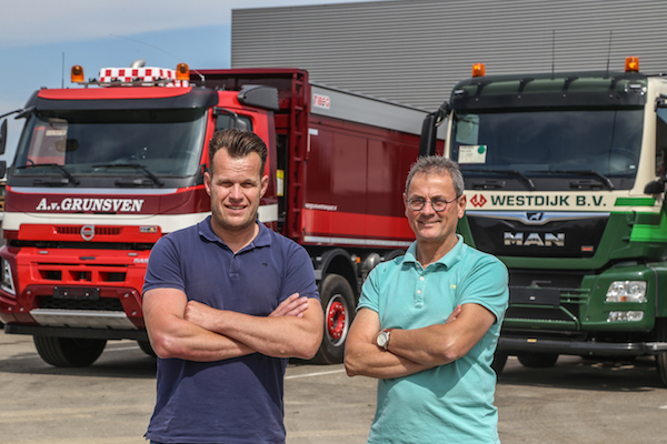 <p>Anton van Grunsven en Theon Langenhuijzen startten in 1994 hun transportbedrijf met één kipper. Nu zijn er 150 vaste medewerkers en 120 trucks en starten ze met het zelf opbouwen van de kipperopbouw. </p>