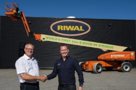 Riwal levert eerste 43 meter geheel elektrische hoogwerker