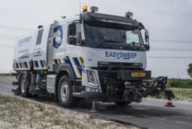 Easysweep reinigt asfalt na incidenten
