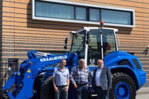 Nieuwe Ahlmann AZ 150f voor jubilaris Peter Rozendaal