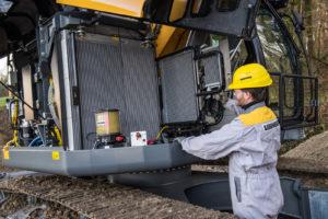 Liebherr is in de fabriek in het Franse Colmar gestart met de productie van de nieuwe, compacte rupskraan R 926. De machine valt in de klasse tussen 15 en 35 ton en voldoet aan Stage 4-emissie-eisen.