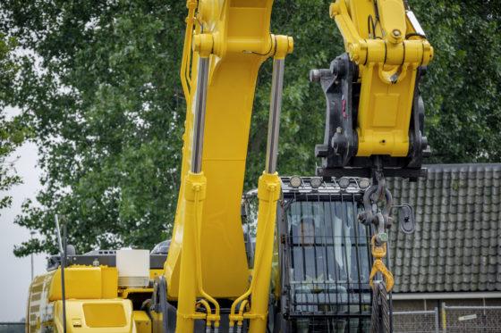 Zowel de SK300LC-10 als de SK350LC-10 zijn voorzien van een dom onder de giek voor meer hefhoogte. Met deze optie kan bovendien dichterbij containers worden geladen.