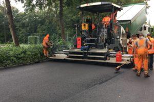Derde nieuwe Dynapac asfaltafwerkmachine voor Strukton
