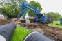 VIDEO: Kobelco SK270SRLC-5 voor grond- en rioleringswerk