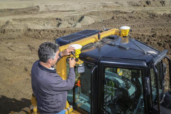 Nieuwe machinist? Een nieuwe koers. Kaars Grondverzet heeft eerste Cat-bulldozer met Trimble Earthworks
