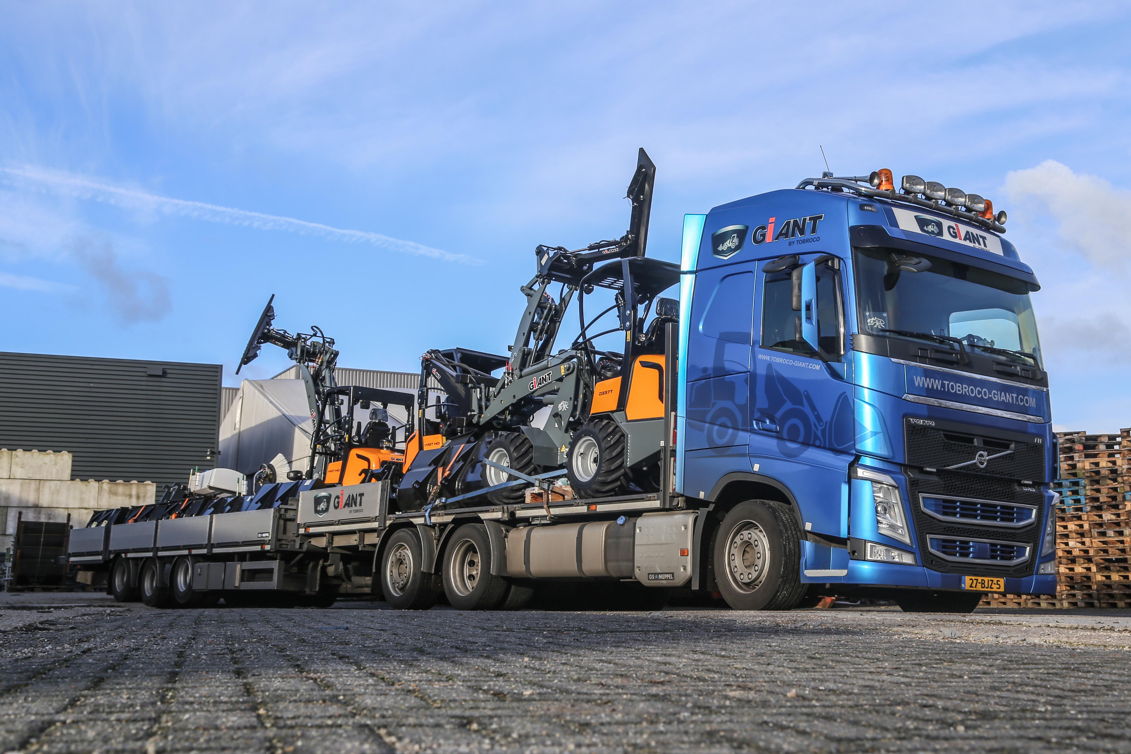 <p>Giant bouwt in het Brabantse Oisterwijk. De fabrikant is de laatste jaren exponentieel gegroeid. Momenteel gaan er dagelijks 15 nieuwe compacte wielladers naar klanten. </p>