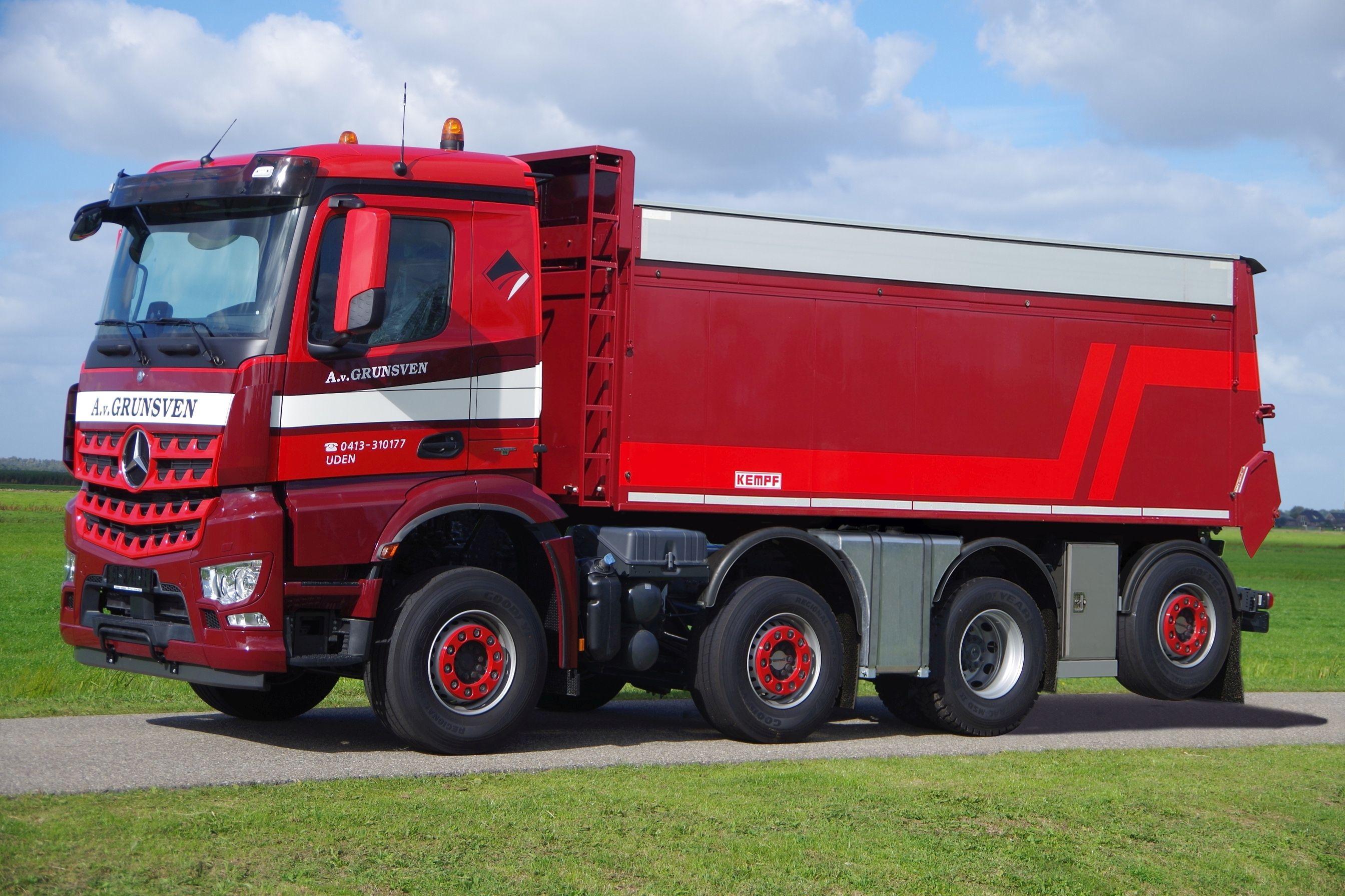 Korte-8x2-Kipper-geschikt-voor-de-dieplader-met-15-minder-brandstof