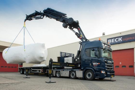 Bijzondere Scania voor Beck Logistics: bakwagen en trekker ineen